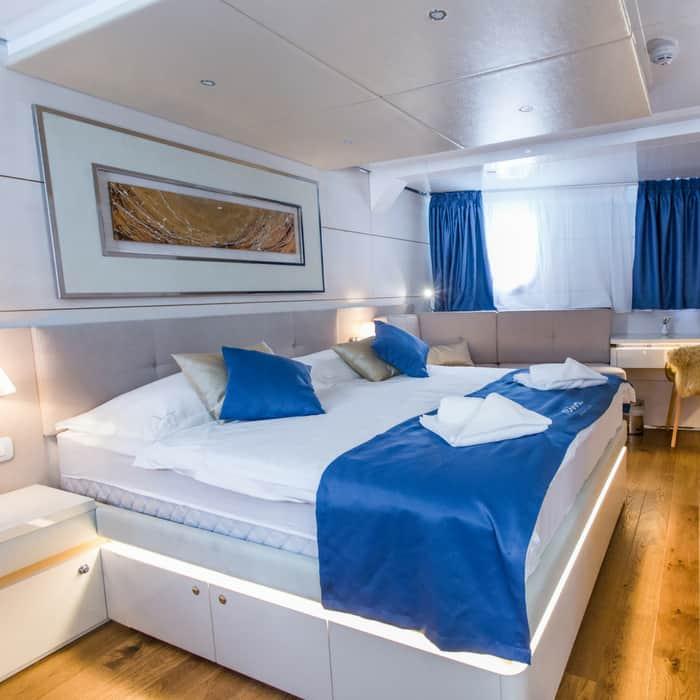 MV Riva cabin