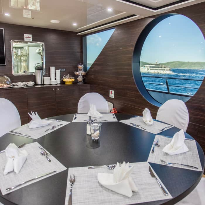 MV Adriatic Queen dining area