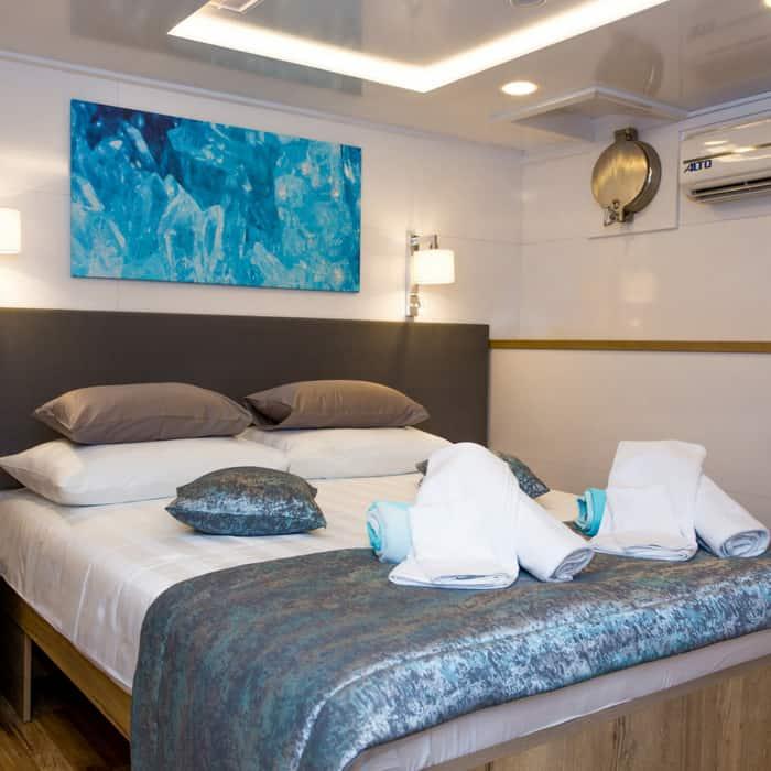MV Aquamarin cabin
