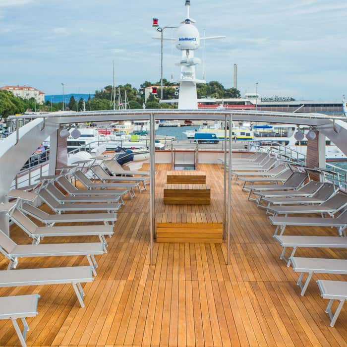 MV Aquamarin sun deck