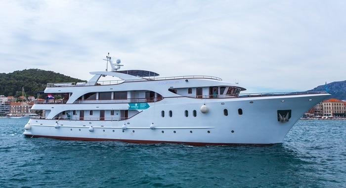 MV Aquamarin Small ship
