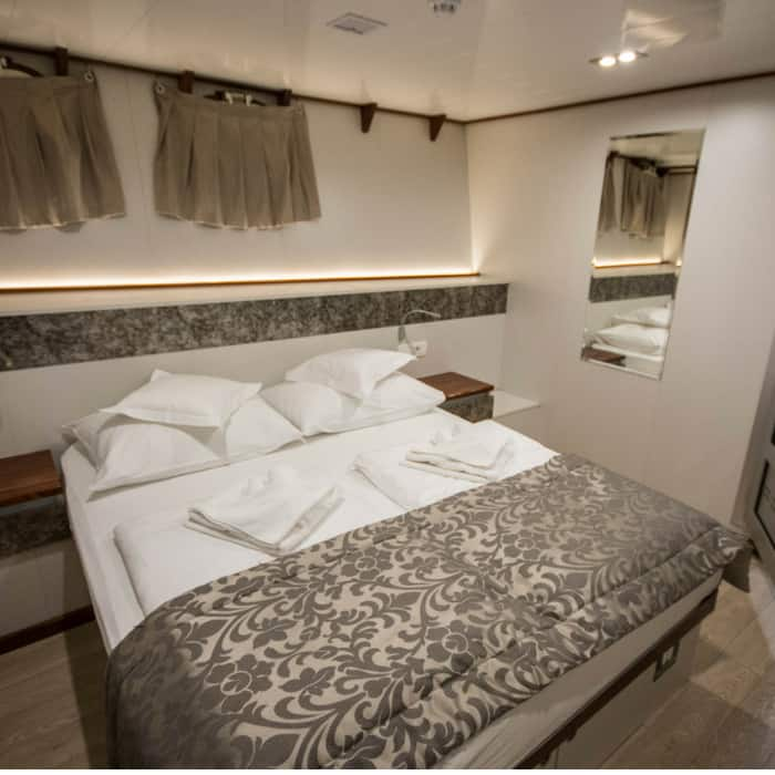 MV Dream cabin