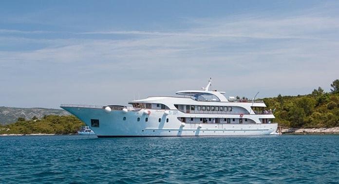 MV Futura Small ship