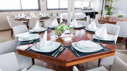 MV Infinity dining room