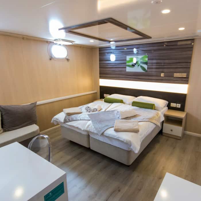 MV Infinity cabin