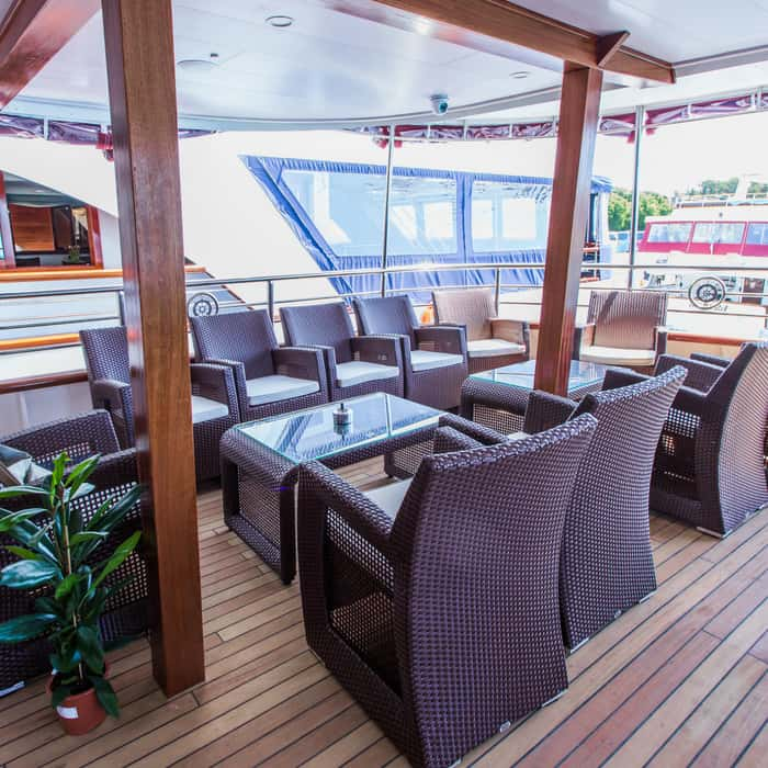 MV Moonlight lounge