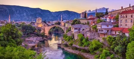 Mostar-Bridge-in-Bosnia