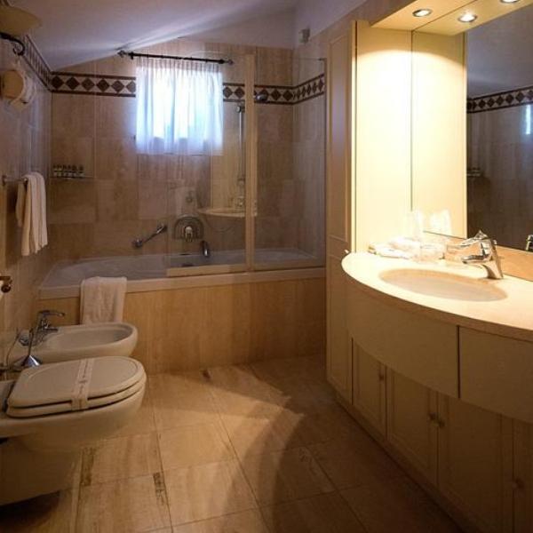 Tuttoretto bathroom