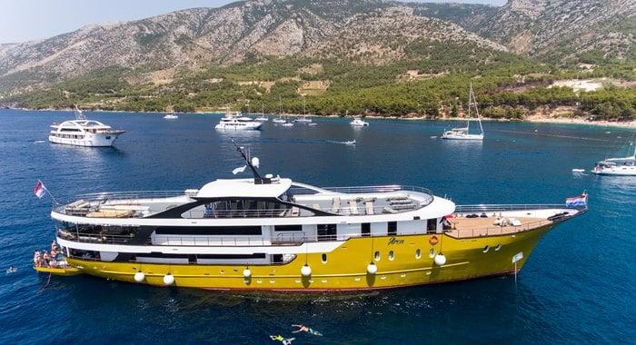 MS Arca Small ship