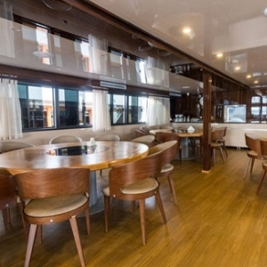 MV New Star dining area