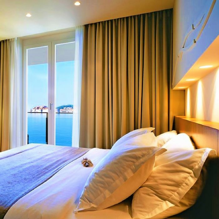 Villa Dubrovnik, Dubrovnik double bed room with sea view