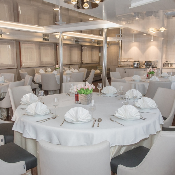 MV Adriatic Sun dining room