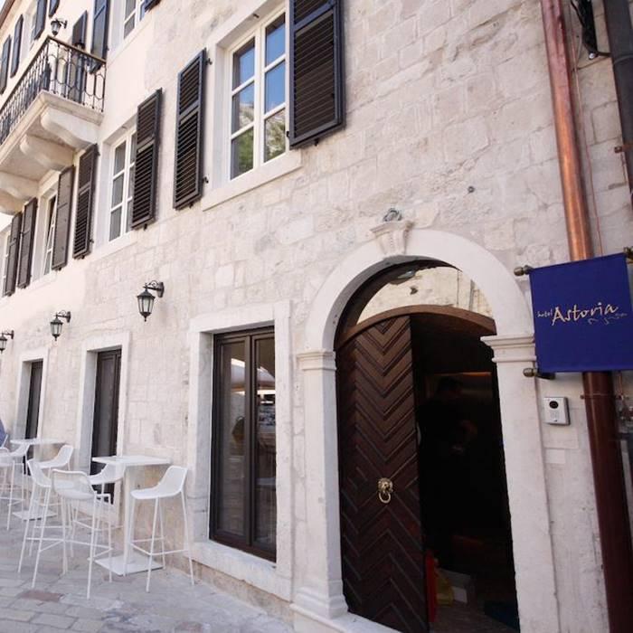 Boutique Hotel Astoria, Kotor entrance to hotel