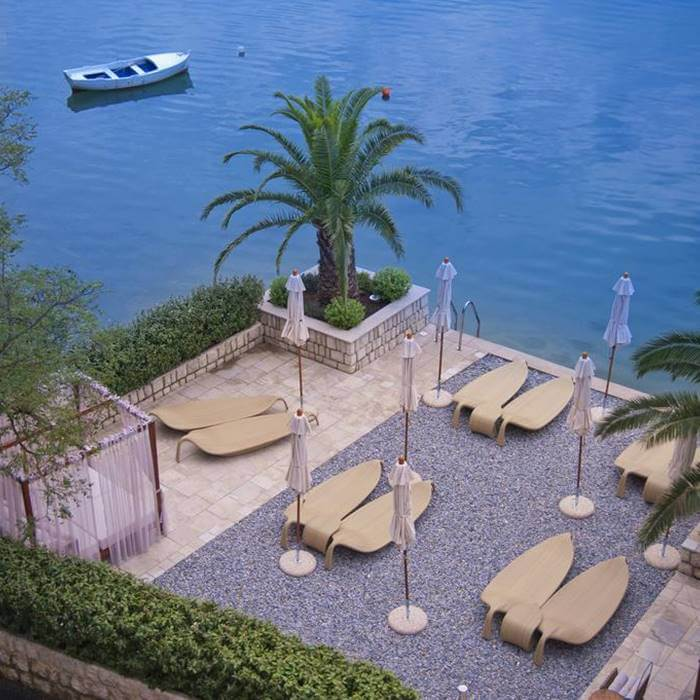 Boutique Hotel Forza Mare, Kotor sunbathing area w sea entrance