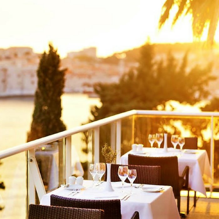 Villa Glavic, Dubrovnik outdoor dining with old town and sea view