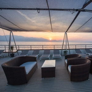 MS Paradis deck