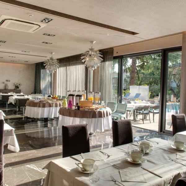 Hotel Arupinum dining room