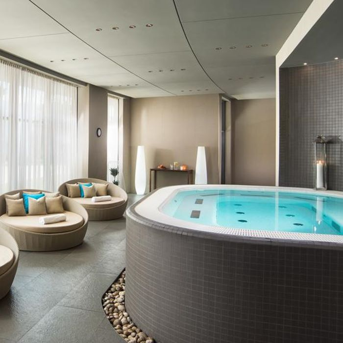 Hotel Sheraton, Dubrovnik indoor spa and Jacuzzi