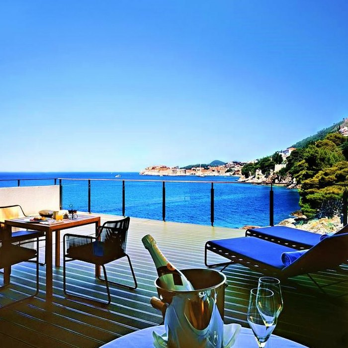 Villa Dubrovnik, Dubrovnik outdoor lounge with sea view