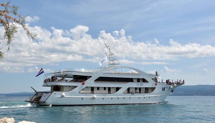 Croatia small cruise ship