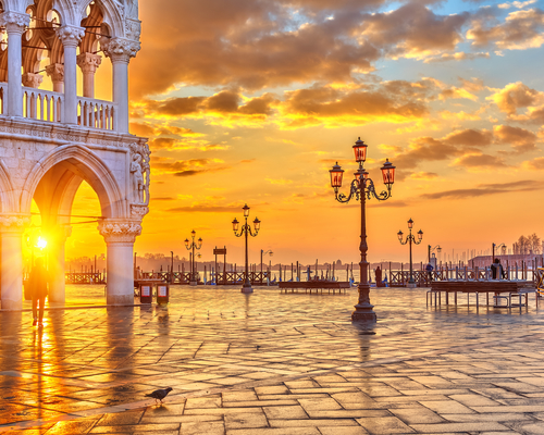 Piazza San Marco at sunrise, Vinice, Italy