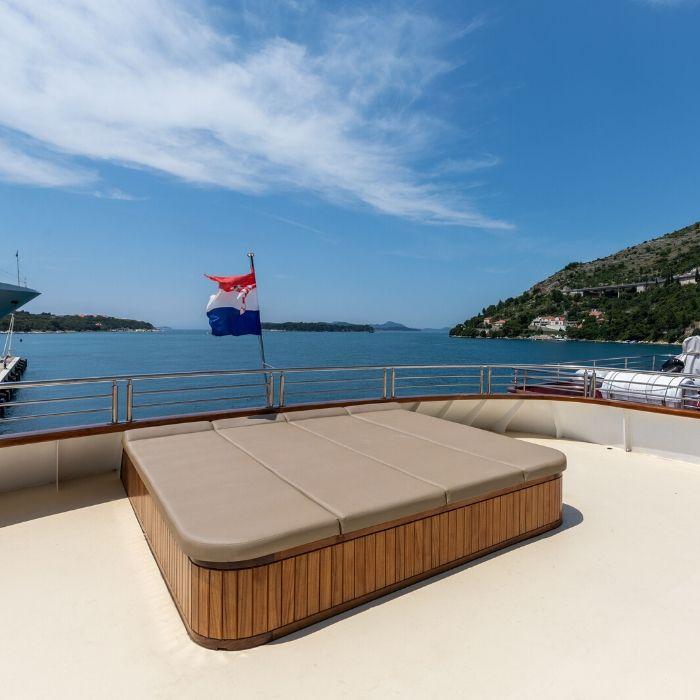 MS Cristal, Outdoor lounge area