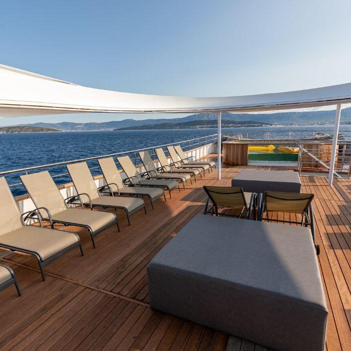 MS Bella, upper deck