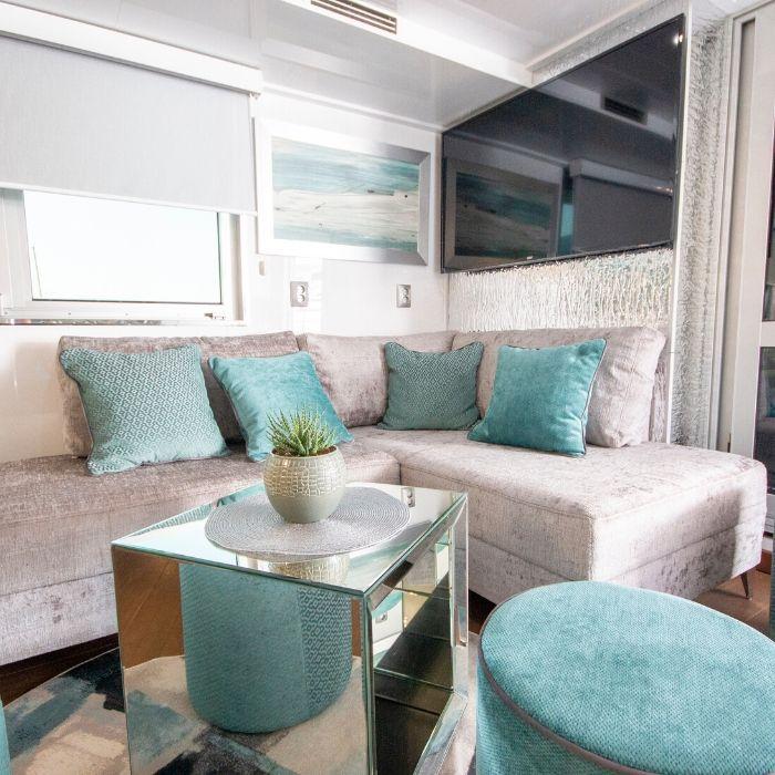 MV Katarina, indoor lounge area