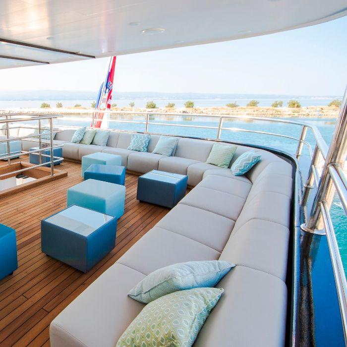 MV Katarina, outdoor lounge