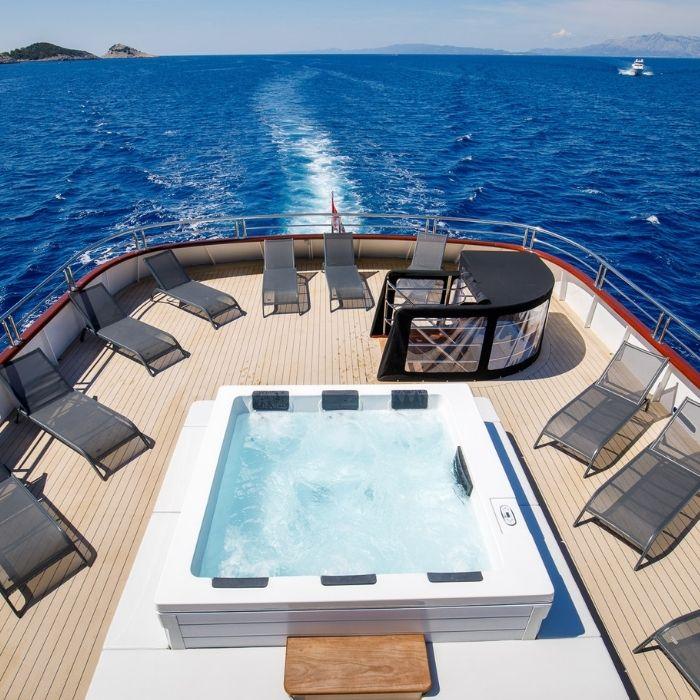 My Wish, Croatia - Upper Deck